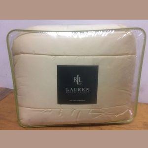 New Ralph Lauren Twin size comforter Daffodil